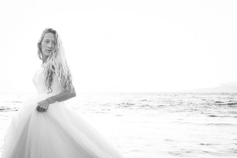 BRIDE WEDDING OCEAN BEACH
